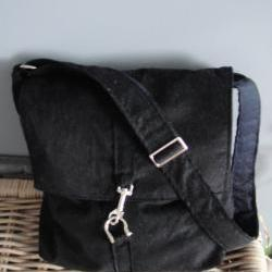 Shoulder bag, black velvet